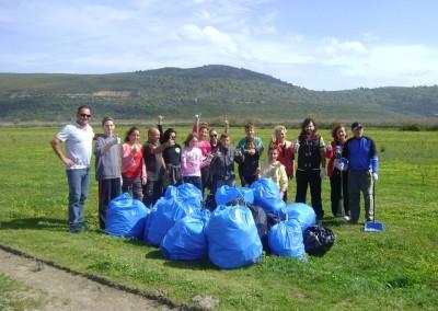 Εθελοντές του Φορέα Διαχείρισης Στενών και Εκβολών Ποταμών Αχέροντα και Καλαμά καθαρίζουν την περιοχή τους. Let's do it Greece