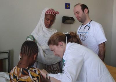 Γιατροί εθελοντές σε ιατρική ανθρωπιστική αποστολή στο Ayder Refferal Hospital του Mekelle της Αιθιοπίας, Αφρική. - Αποστολή Άνθρωπος