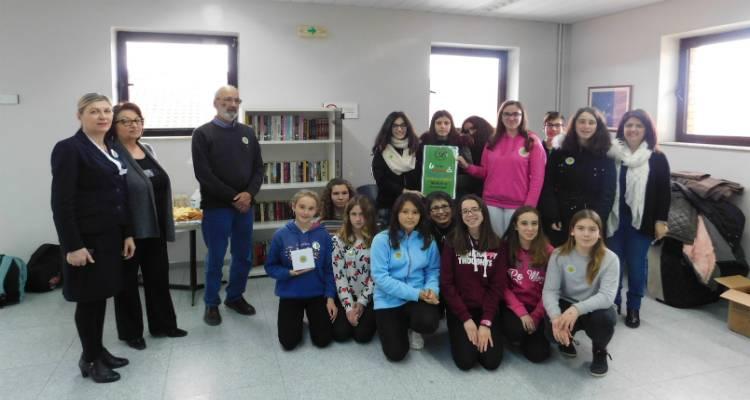 Οι μαθητές του Γυμνασίου Λιβαδοχωρίου προσέφεραν βιβλία για τους ασθενείς στο Νοσοκομείο Λήμνου